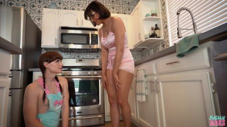 Natalie Mars, Penny Barber : Obsessed with Mommys Ass