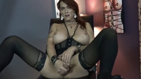 Rianna James : Clean up my cum slave